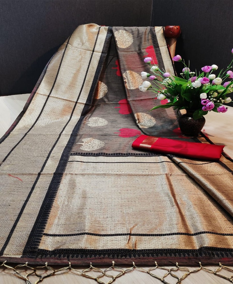 RE - Black soft handloom Weaving Butta saree